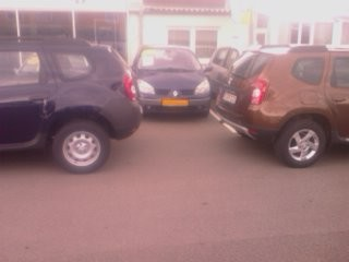 Duster Heck, links Ambiance, rechts Laureate