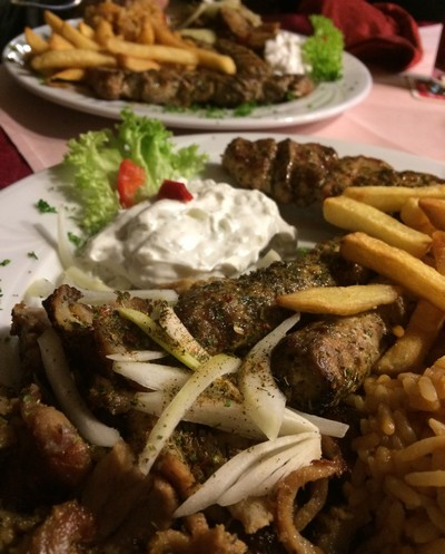 greek-resto-mit-tzatziki